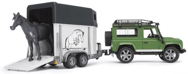 Land Rover Defender mit Pferdeanhänger inkl. 1 Pferd Modell von Bruder 1:16
