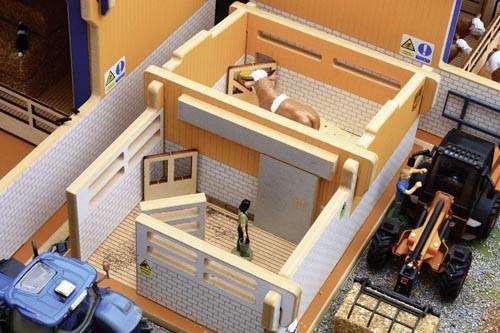 Bullenstall Modell von Brushwood Toys 1:32