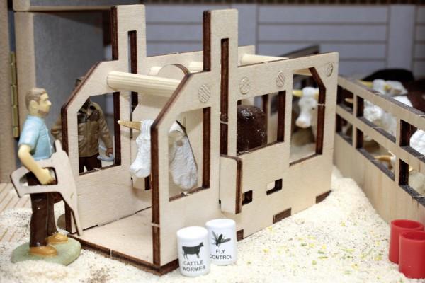 Vieh-Einzelbox (Pflegestand) Modell von Brushwood Toys 1:32