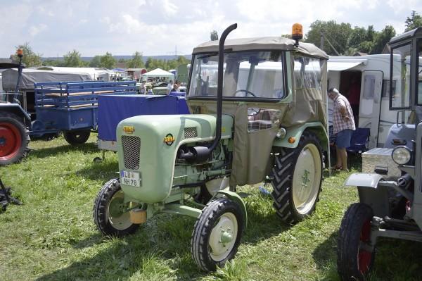 Stihl Traktor S 20 Modell von NPE Modellbau 1:87