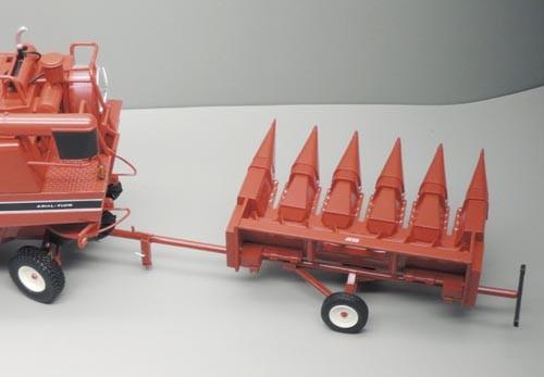 Maisgebiss mit Schneidwerkswagen 853 F Modell von Replicagri 1:32