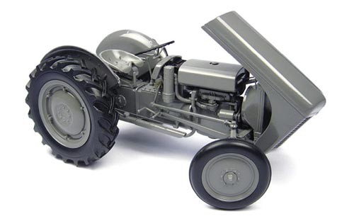 Massey Ferguson TEA 20 (1949) Modell von Universal Hobbies 1:16