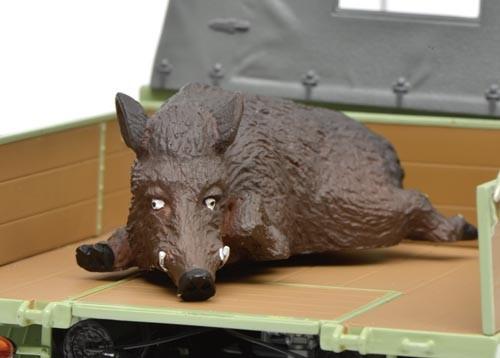 Unimog 401 hellgrün mit Wildschwein und Holzbordwänden Modell von Schuco 1:18