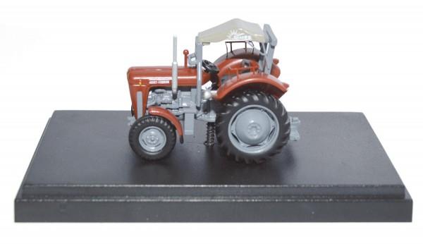 Massey Ferguson MF 35 mit Sirocco-Verdeck Modell von NPE Modellbau 1:87