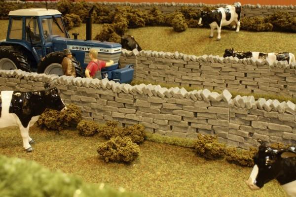 Steinmauer (4 Stück) Modell von Brushwood Toys 1:32