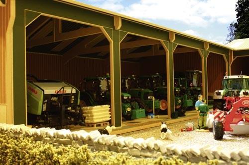 Maschinenhalle mit vier Buchten Modell von Brushwood Toys 1:32