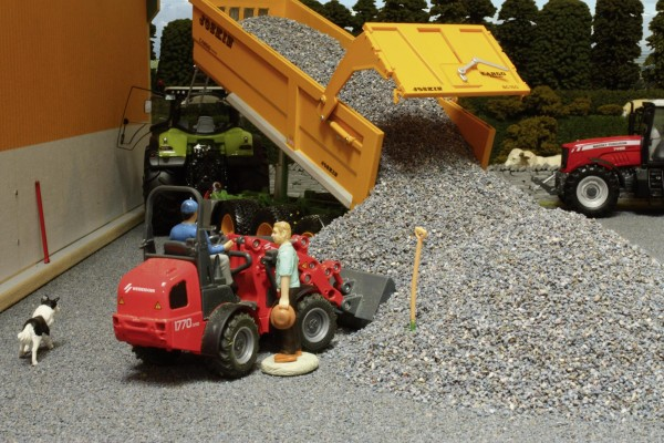 Lose Schotterschüttung dunkelgrau Modell von Brushwood Toys 1:32