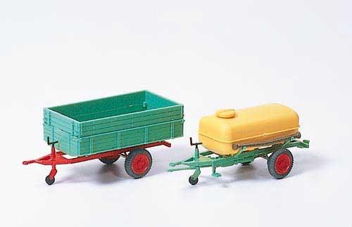 Einachsanhänger mit Ladepritsche (Kipper) und Einachsanhänger mit Fass (Fertigmodell) Modell von Pre