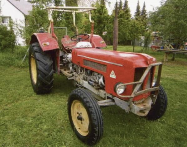 Schlüter Traktor Super 550 mit Frontlader Modell von NPE Modellbau 1:87