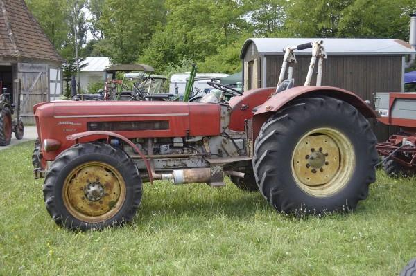 Schlüter S 900 V rot Modell von NPE Modellbau 1:87
